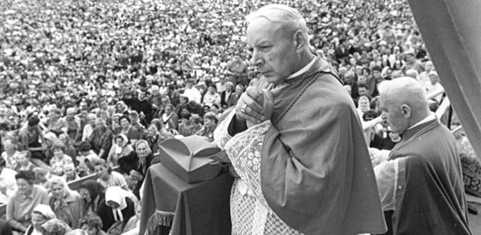 Beatyfikacja kardynała Wyszyńskiego i siostry Czackiej już jutro